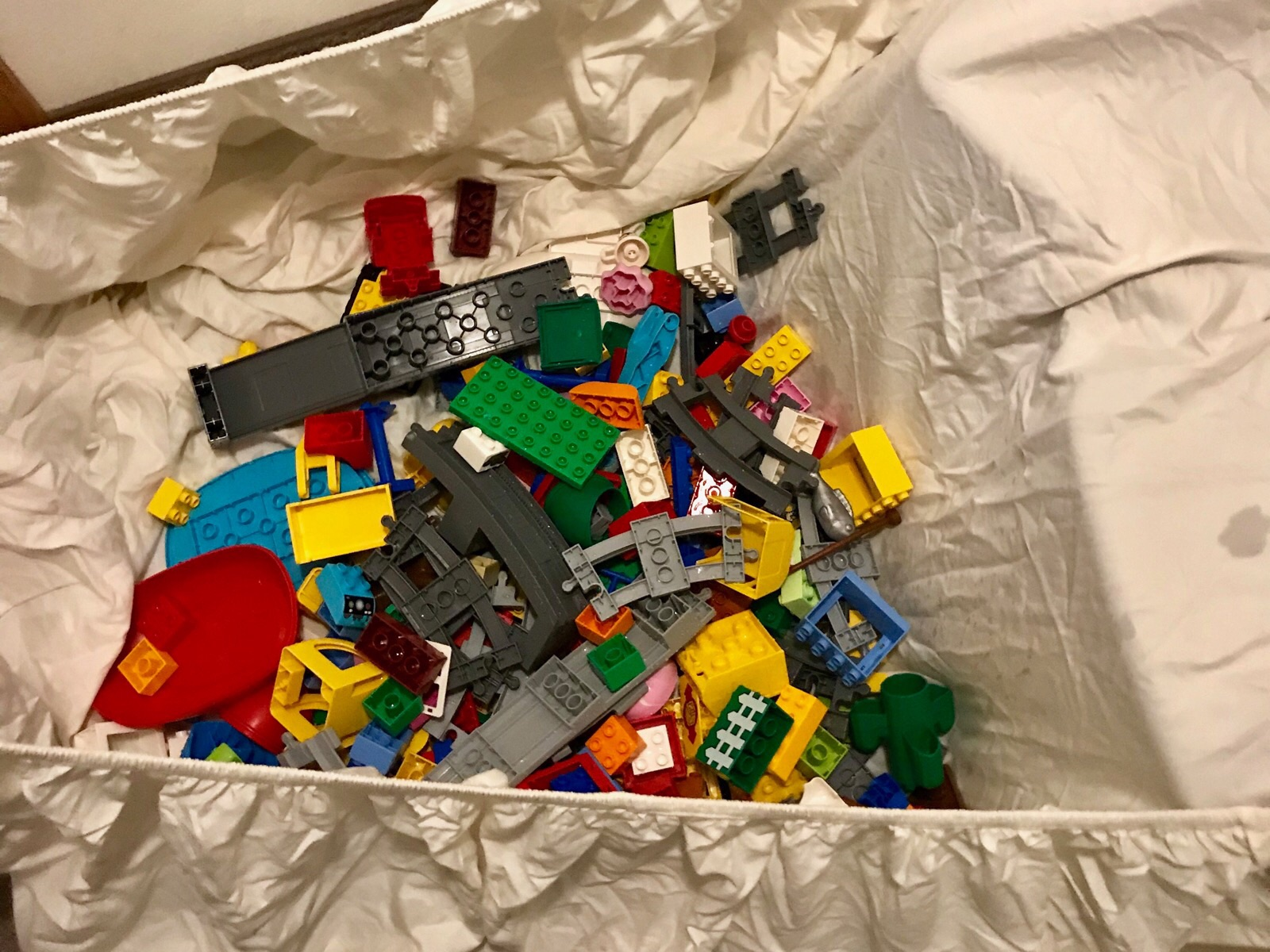 The sheet I used to catch the Duplos